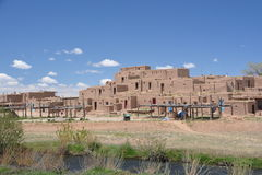Taos镇在新墨西哥 免版税库存照片