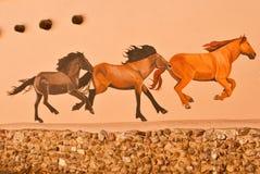 Τα άλογα ακολουθούν τον ηγέτη Στοκ φωτογραφία με δικαίωμα ελεύθερης χρήσης
