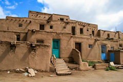 Taos-Pueblo im New Mexiko Stockbilder