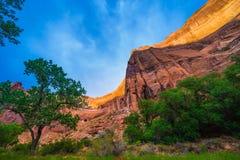 Tapa de la pared de barranco por paisaje hermoso de la quebrada del coyote de la luz de la puesta del sol Fotos de archivo libres de regalías