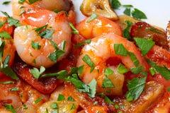 Tapas de pinchos de crevette d'ail d'Espagne Photos stock