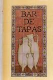 Tapas de signe dans une barre espagnole Images stock