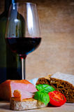 Tapas e vinho Fotografia de Stock Royalty Free