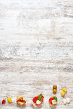 Tapas espagnols sur une table en bois Photographie stock libre de droits