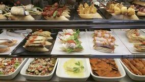 Tapas i restaurangen, typisk mat för spanjor i Benidorm, Alica arkivbild