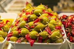 Tapas met olijven, peper en ansjovis stock foto