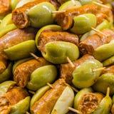 Tapas olives espagnols typiques dans une barre Photo stock