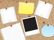 Tape el tablón de anuncios con corcho Imágenes de archivo libres de regalías