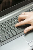 Taper de clavier d'ordinateur photo stock