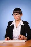 Taper de femme d'affaires images libres de droits