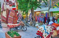 Tapetes na rua, Shiraz, Irã Imagem de Stock Royalty Free