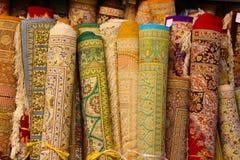 Tapetes persas em Yazd, Irã imagens de stock