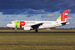 TAPEZ le Portugal Airbus A319 Images libres de droits