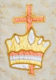 Tapicería con la corona de la vida y de la cruz. Imagen de archivo libre de regalías