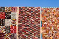 Tapijten in souks van Marrakech Royalty-vrije Stock Afbeelding