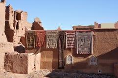 Tapijten voor verkoop in Marokko Royalty-vrije Stock Afbeelding