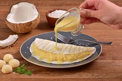 Tapioca llenada de crema del coco Imagen de archivo