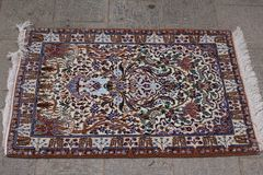 Tapis de Perse dans Nain, Iran photo stock