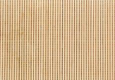 Tapis en bambou utilisé pour rouler des sushi de maki Fermez-vous vers le haut du fond en bambou de couvre-tapis Photographie stock