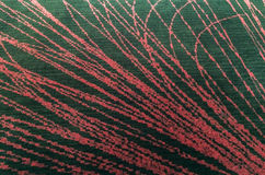 Tapis pelucheux noir de plancher fait à partir du tissu avec les lignes rouges abstraites style d'intérieur de texture de fond ou Image stock