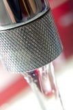 Tapkraan met water royalty-vrije stock afbeeldingen