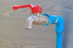 Tapkraan voor het water geven Stock Fotografie