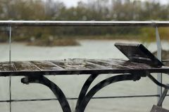 tappar glass regn Arkivfoton