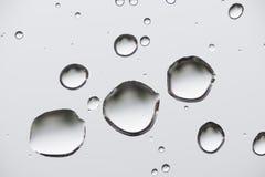tappar glass vatten Royaltyfri Foto