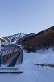 Tappeto mobile per sollevare gli sciatori Immagini Stock
