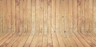 Tappning den bruna gamla wood väggen och golvet texturerar med fnuren för Royaltyfri Foto