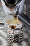 tappning för kromespressomaskin Royaltyfria Bilder