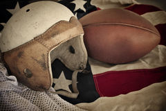 tappning för läder för bakgrundsfotbollhjälm Arkivfoto