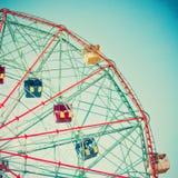 Tappning Ferris Wheel Royaltyfri Fotografi