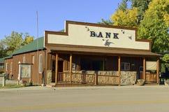 Tappning gammalmodig sparbankbyggnad i västra Amerika Royaltyfri Foto