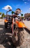 Tappning Harley Davidson i Havana Arkivfoton