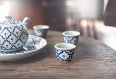 Tappning keramiska Kina, kinesiskt porslin, teservis arkivfoto