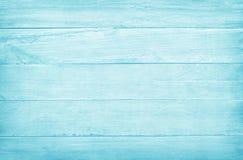 Tappning m?lade tr?v?ggbakgrund, textur av bl? pastellf?rgad f?rg med naturliga modeller f?r designkonstarbete royaltyfri foto
