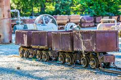 Tappning som fyra bryter malmvagnar Royaltyfri Fotografi