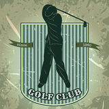 Tappningaffisch med konturn av mannen som spelar golf Retro hand dragen golfklubb för vektorillustrationetikett Stock Illustrationer