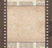Tappningbakgrund med retro papper, tidningen och gammal filmstri arkivbilder