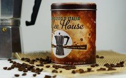 Tappningbank för lagring av kaffe Arkivbilder