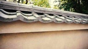 Tappningbetongvägg för japansk stil med taket stock video