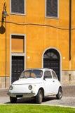 Tappningbil i gammal stad av Cagliari Royaltyfria Bilder