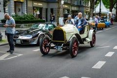 Tappningbil Opel 5/12 PS, också som är bekant som Puppchenen Docka, 1911 Arkivfoton