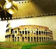 Tappningbild av Colosseum med den filmremsan och reflektorn Royaltyfri Bild