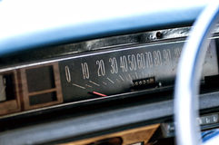 Tappningbilmeter Arkivfoto