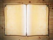 Tappningbok på den snabba banan för gammal träbakgrund Royaltyfri Bild