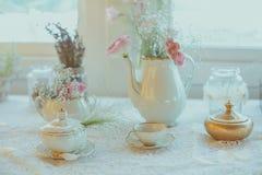 Tappningbröllopgarnering royaltyfria bilder