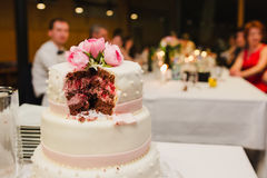 Tappningbröllopstårta Fotografering för Bildbyråer