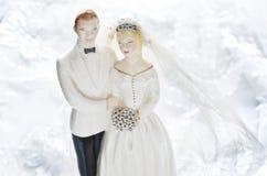 TappningbröllopstårtaTopper Arkivfoton